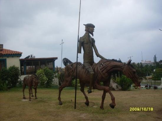 Varadero, Cuba: ...y me encontre a Don Quijote :), no estaba Sancho Panza :)
