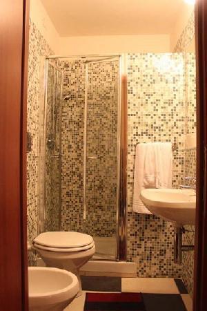Centro Romano: bathroom