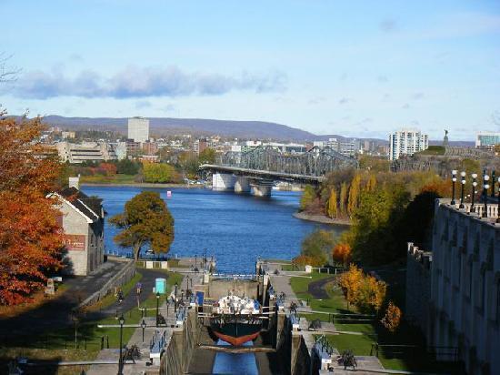 Rideau Canal : 橋から見た景色です。