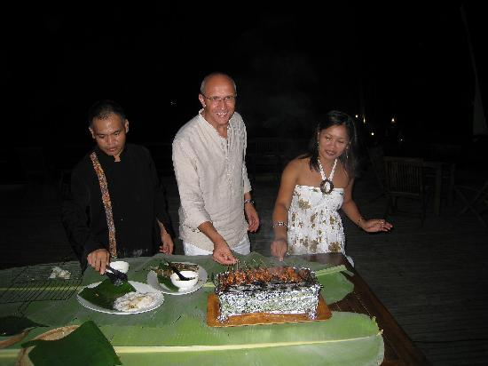 Cocotinos Manado: BBQ with a helping hand