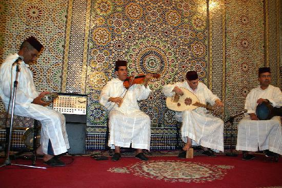 Fes, Marocco: Spectacle au Palais Medina