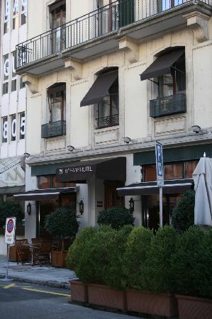 Tiffany Hotel: Exterior