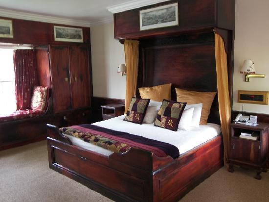 Tsitsikamma Village Inn: The room