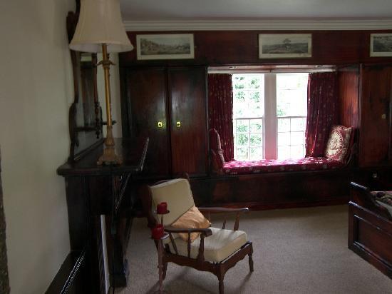 Tsitsikamma Village Inn: The room looking in