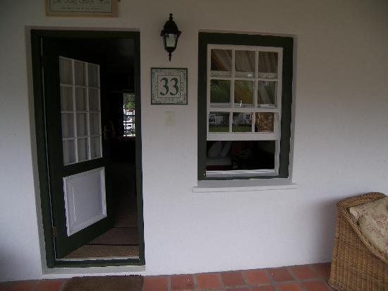Tsitsikamma Village Inn: Front door to the room