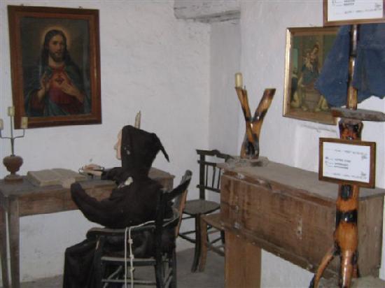 Convento dei Frati Cappuccini: Una stanza del convento - vecchia cella