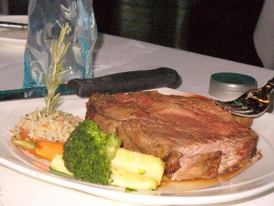 Rainbow Casino Hotel: Prime Rib at Bimini Restaurant, Montego Bay Casino/Hotel