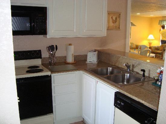 Orlando International Resort Club: kitchen