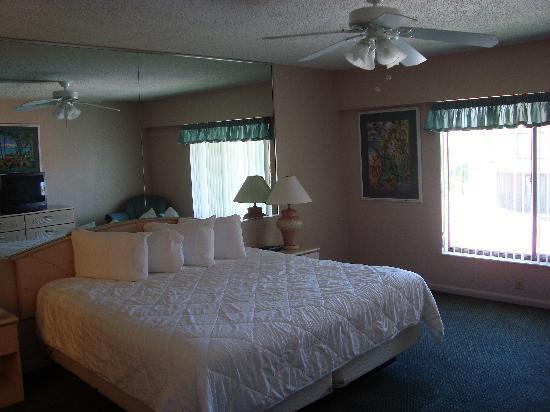 Orlando International Resort Club: Master bedroom