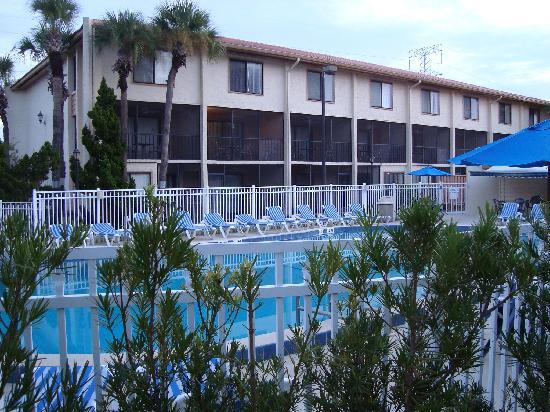 Orlando International Resort Club: pool area/ units