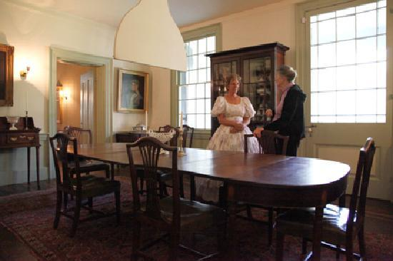 Elgin Plantation Bed and Breakfast: On Tour in Dining Room