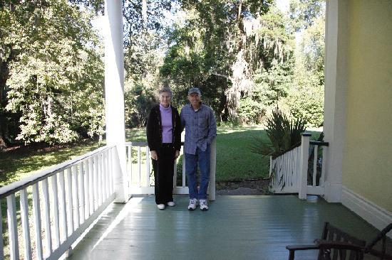 Elgin Plantation Bed and Breakfast : My husband and Mrs. Calhoun