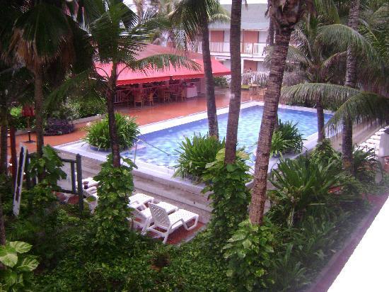 Decameron San Luis: piscina y jardines