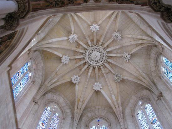 Batalha, Portugal: REACHING FOR THE STARS