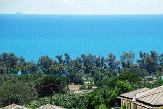 Thara Heights Villa Resort : Our view of the Sea