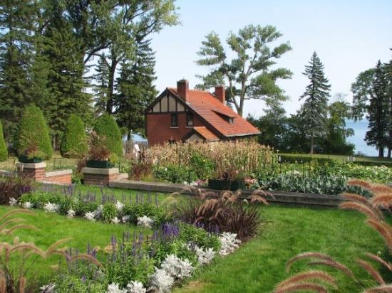 Gardener\'s Cottage, Glensheen, Duluth, MN - Picture of Glensheen ...