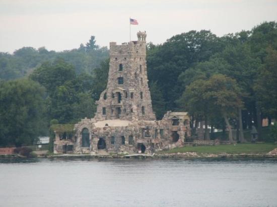 อะเล็กซานเดรียเบย์, นิวยอร์ก: Boldt Castle's Alster Tower