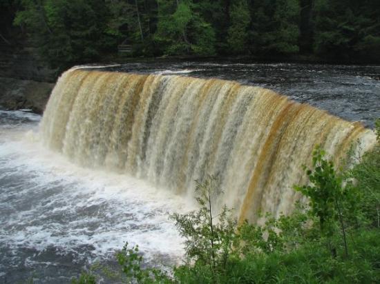 Paradise, Мичиган: Upper Tahquamenon Falls