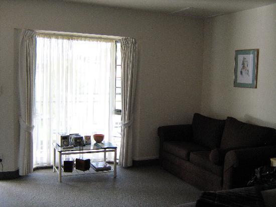 ASURE Jasmine Court Motel: Lounge area