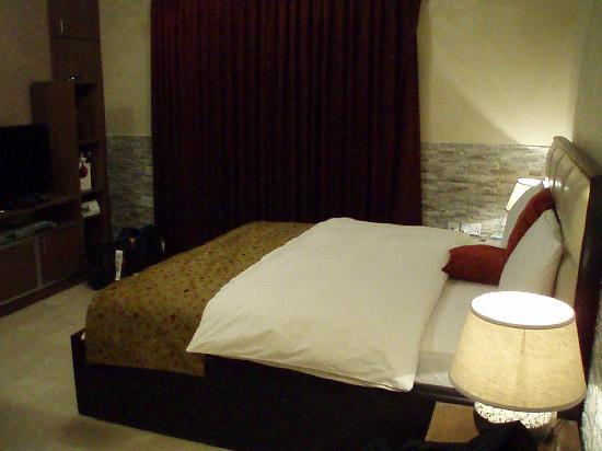 Photo of Beity Rose Suites Hotel Amman