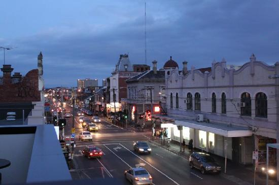 Tyrian Serviced Apartments Fitzroy: Street view