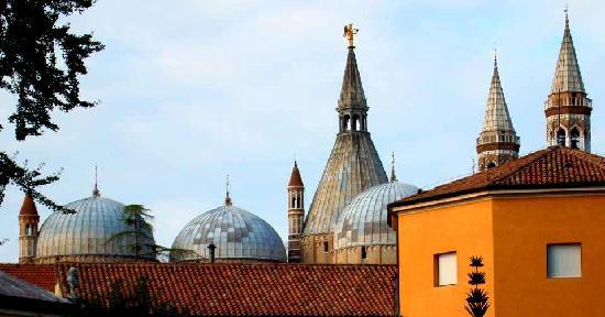 Padua, Italy: Cupula Iglesia Sta. Gustina