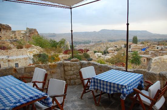 Esbelli Evi Cave Hotel : breakfast terrace