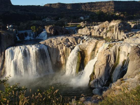 لا كوينتا إن آند سويتس توين فولز: Shoshone Falls