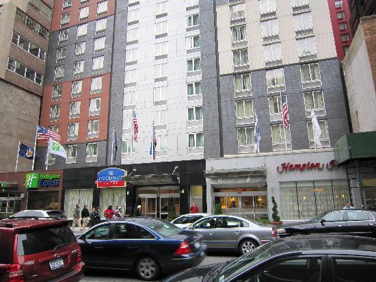 Front Of Hotel Picture Of Hampton Inn Manhattan Times Square South New York City Tripadvisor