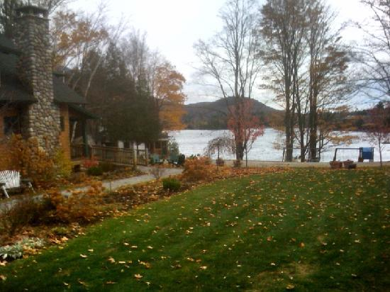 Prospect Point Cottages - Blue Mountain Lake: Autumn at Prospect Point Cottages