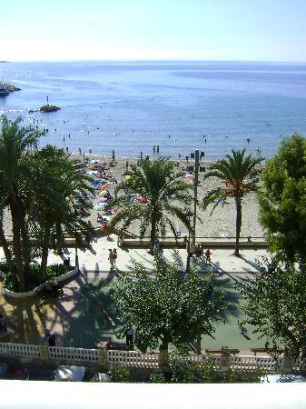 Port Mar Blau: Mar Blau beach view