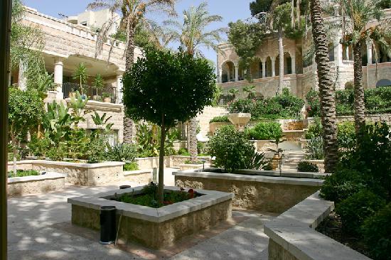 show topic easier travel jerusalem bethlehem