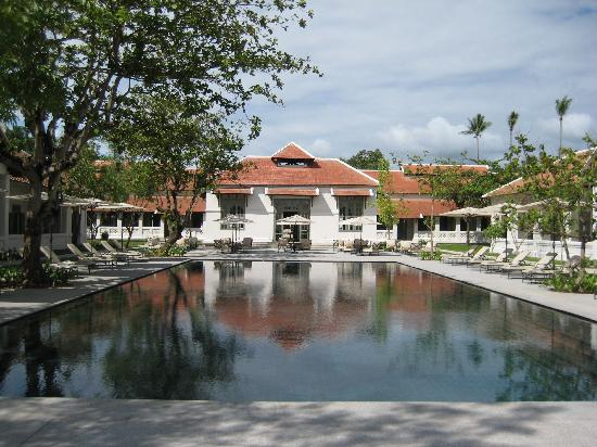 Amantaka: Main swimming pool