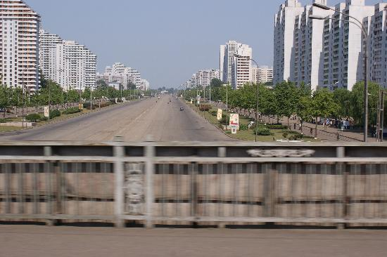 North Korea: Pjong Jang-Main Street
