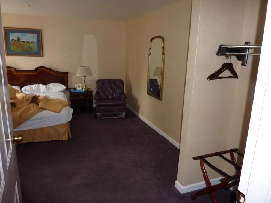 Comfort Inn: The main bedroom