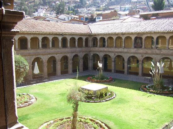 Belmond Hotel Monasterio : Uno dei due chiostri principali