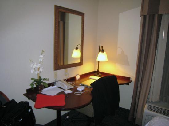 Hampton Inn & Suites Wells-Ogunquit: Desk