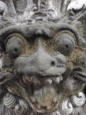 Karma Jimbaran: Temple demons!