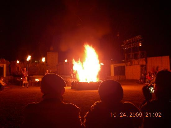 Hinanoza: Ainu fire show
