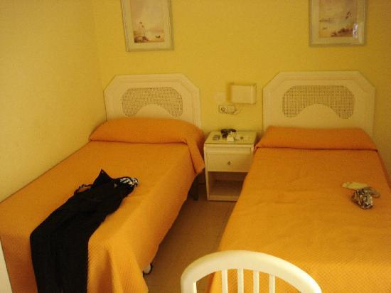 Mediterraneo Apartments: habitacion