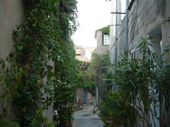 Ramatuelle, France: Beautiful narrow streets...
