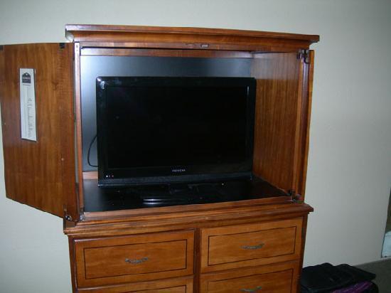 "Motel 6 Savannah Airport - Pooler: The 32"" LCD Proscan widescreen TV"