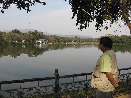 Jamshedpur, India: Lake in Jubilee Park