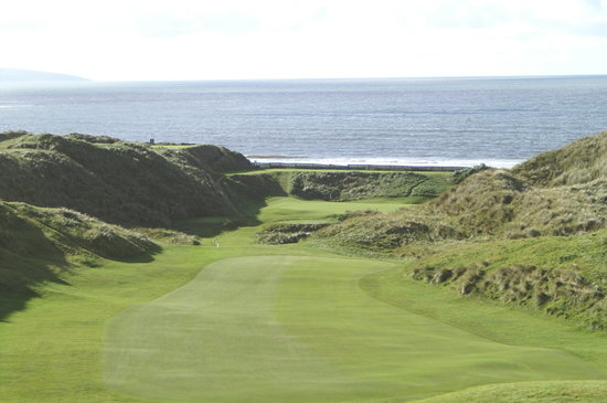 "The 19th Lodge: 18th fairway, ""Old Course"""