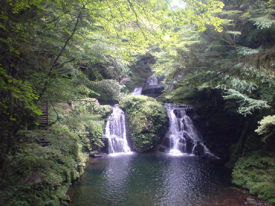 Nabari, Jepang: 荷担滝です。