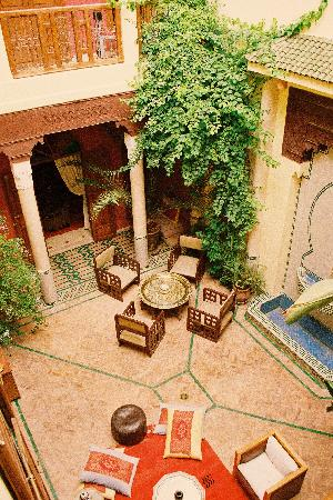 Dar Taliwint: Courtyard from the first floor balcony