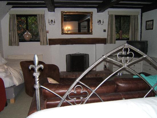 Finney Green Cottage: Bedroom