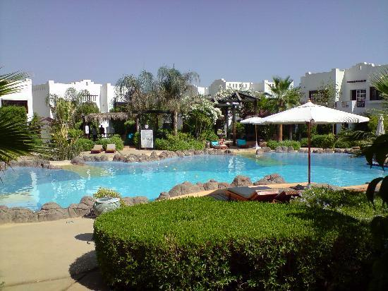 Delta Sharm Resort: one of the smaller pools