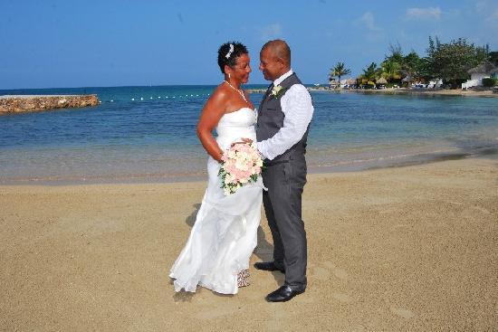 Royal Decameron Club Caribbean: beach wedding paradise xxx