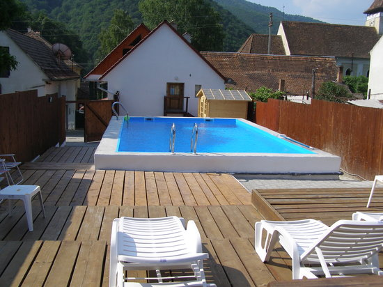 Secret Transylvania Guest House: Pool